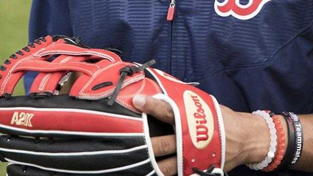 (< 12) Glove